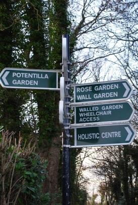 Ardgillen signposts