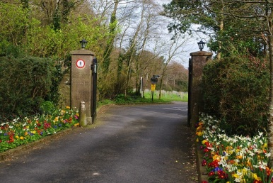 Entrance to Ardgillen